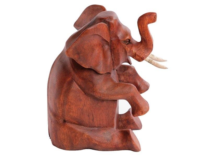 Elefante Baby Sentado