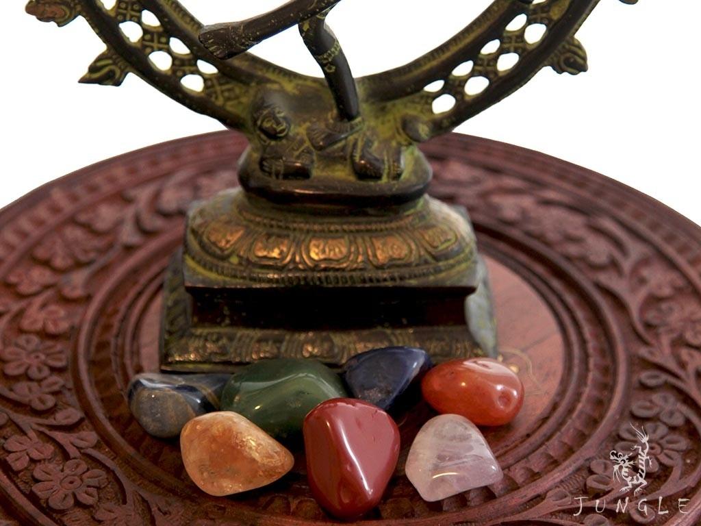 Pedras naturais para alinhamento dos 7 chakras