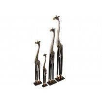 Família de Girafas Entalhadas