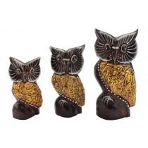 Trio de Corujas cru com dourado 15 x 12 x 10 cm
