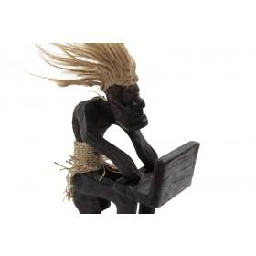 Escultura Primitivo Trabalhando no Computador