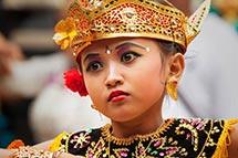 Criança Balinesa Dançarina