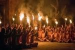 Dança Balinesa com Fogo