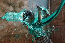 Canhão Água Verde - Holi Festival Índia
